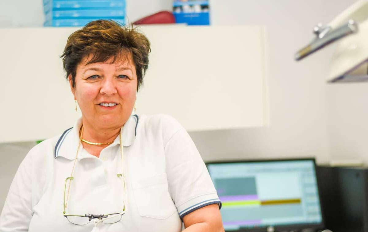 DR. GABRIELLA MOLNAR